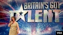 """Boyle fue descubierta como cantante en el concurso """"Los británicos tienen talento"""", un show similar al estadounidense American Idol."""