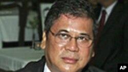 ທ່ານ Kyaw Win ນັກການທູດມຽນມາທີ່ໂຕນໜີທີກຸງວໍຊິງຕັນ ວັນທີ 4 ກໍລະກົດ 2011