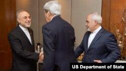 علی اکبر صالحی در دیدار با جان کری، وزیر خارجه آمریکا