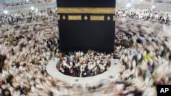 آرشیف: بین دو تا سه میلیون مسلمان از سراسر جهان همه ساله در مراسم حج اشتراک می کنند