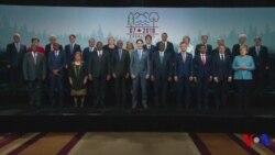 Photo de famille des leaders et invités du G7 (vidéo)
