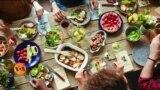 کرونا وبا میں گھر بیٹھنے سے بڑھنے والا وزن کم کیسے ہو؟