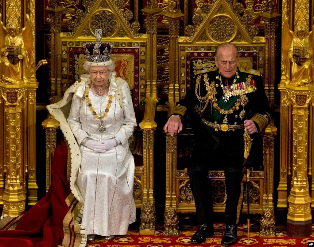 ملکۂ برطانیہ کے شوہر ہونے کی حیثیت سے شہزادہ فلپ نے سات دہائیوں کے دوران اندرون و بیرونِ ملک 22 ہزار سے زائد تقریبات میں شاہی خاندان کی نمائندگی کی۔