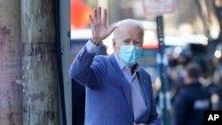 El presidente electo Joe Biden llega al Queen Theatre en Wilmington, Delaware, el domingo 10 de enero de 2021. [Foto: AP]