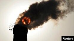 صنعتی شدن سریع و استفاده از ذغال سنگ برای تولید انرژی در چین و هند عمده ترین عامل آلودگی هوا خوانده شده است