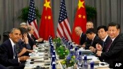 31일 핵안보정상회의가 열린 미국 워싱턴에서 바락 오바마 미국 대통령(왼쪽)과 시진핑 중국 국가주석이 양자회담을 가졌다.