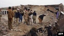 یکی از مدارس ویران شده