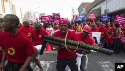 南非罢工季节进入第二个星期,导致燃油供应出现短缺