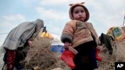 په تیرو درې کلونو کې شاوخوا یو ملیون افغانانو له خپلو سیمو کډه کړې. (عکس له آرشیف څخه)
