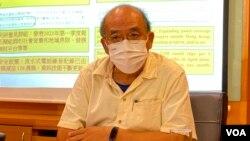 香港民意研究所副行政總裁鍾劍華,對4名年輕人因為參與六四燭光集會,而要受牢獄之災感到難過。(美國之音湯惠芸拍攝)