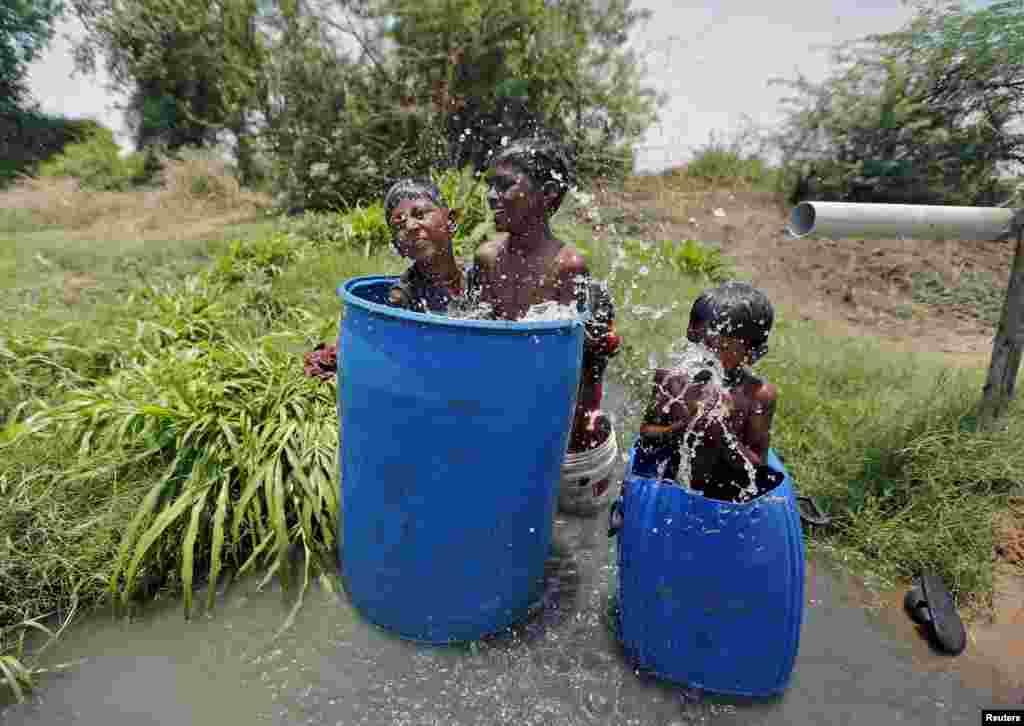 بھارت میں حالیہ شدید گرمی کی لہر سے مرنے والوں کی تعداد 1800 تک پہنچ گئی ہے۔