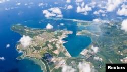 گوام میں واقع امریکی بحریہ کے اڈے کا ایک فضائی منظر (فائل فوٹو)