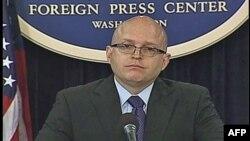 Zamenik pomoćnika državnog sekretara Filip Riker na brifingu u Vašingtonu (arhivski snimak)