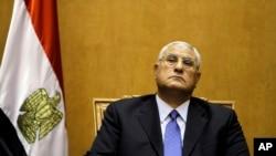 Chánh án Tòa án Tối cao Ai Cập chuẩn bị tuyên thệ nhậm chức tổng thống, ngày 4/7/2013.