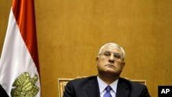 埃及军队推翻总统穆尔西 临时元首宣誓就职