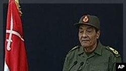 مصر: احتجاج جاری، بحران کے خاتمے کے لیے فوج کی کوششیں