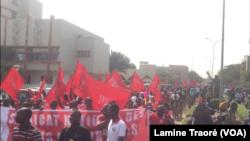 La marche au centre-ville à Ouagadougou, le 29 novembre 2018. (VOA/Lamine Traoré)