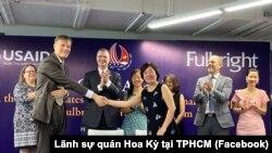 Giám đốc USAID Vietnam Michael Greene và Chủ tịch FUV Đàm Bích Thủy tại lễ công bố tài trợ từ USAID.