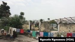Les survivants de l'explosion de Mpila vivent dans les décombres, Brazzaville, 2 mars 2017, Ngouela Ngoussou.