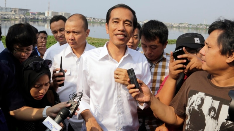 Obama Seeks Stronger Ties With Widodo, Indonesia
