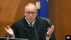Gjykatësi Peter Cahill duke folur gjatë seancave paraprake