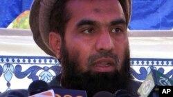 Lakhvi bị cáo buộc là kẻ chủ mưu trong cuộc tấn công kéo dài 60 tiếng đồng hồ, nhắm vào thủ đô thương mại của Ấn độ hồi năm 2008.