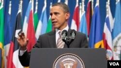 Presiden Barack Obama memberikan pidato di Santiago, Chili (21/3).