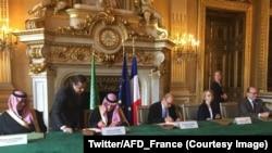 L'Agence française de développement (AFD) et le Fonds saoudien de développement ont signé un mémorandum de coopération avec le prince héritier saoudien Mohammed ben Salmane, Paris, 11 avril 2018. (Twitter/AFD_France).