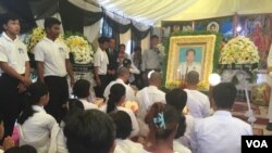 Pen Sovann's body was moved for cremnation ceremony in Donkeo district, Takeo province, on November 2, 2016.