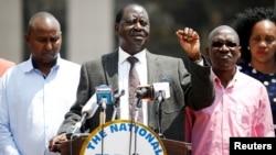 Raila Odinga ageza ijambo ku banywanyi biwe