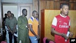 Suspeitos membros da seita Boko Haram a serem apresentados ao julgamento no Tribunal Federal Supremo da Nigéria