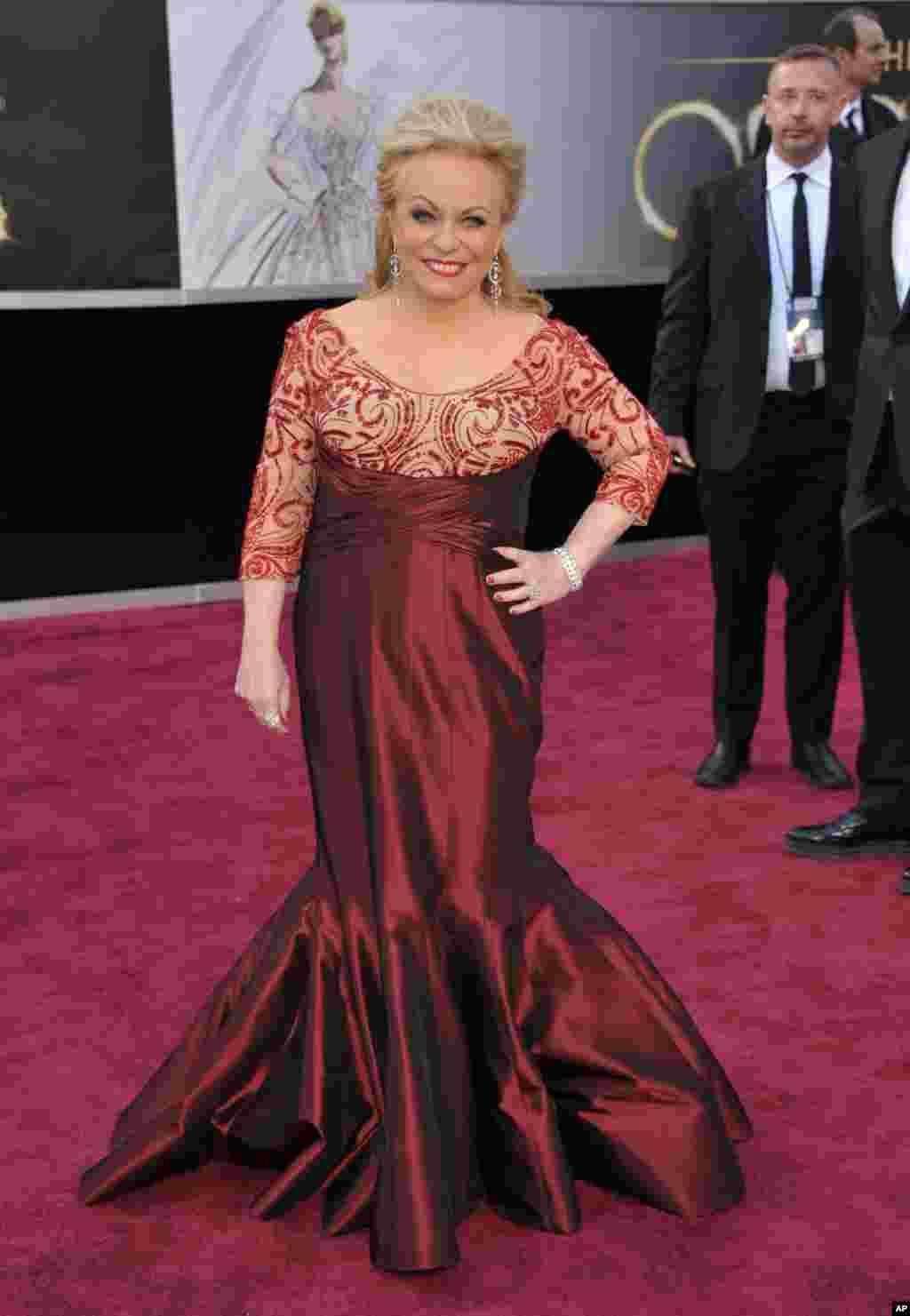 جکی ویور که نامزد دریافت جایزه اسکار بهترین بازیگر نقش مکمل زن شد، در فیلم دفترچه امیدبخش نقش ایفا کرده است.