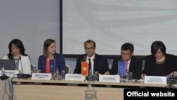 """Učesnici konferencije """"Žene, mir i bezbjednost"""" u Podgorici"""