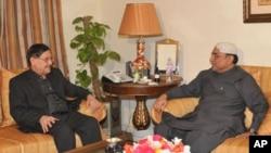 منگل کو سینٹ کے چیئرمین فاروق نائیک نے صدر زرداری سے اسلام آباد میں ملاقات کی