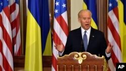 美国副总统拜登访问乌克兰。