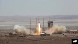 지난달 27일 이란 정부가 인공위성 우주발사체 시험발사에 성공했다며 국방부 웹사이트에 사진을 공개했다.