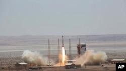 İran'ın son roket denemesini, Amerika, İngiltere, Fransa ve Almanya, BM'ye şikayet etti. İran geçen Perşembe Simurg roketini başarıyla uzaya fırlattığını açıklamıştı