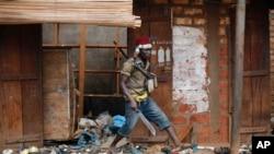 Un combattant anti-balaka dans Bangui, 22 janvier 2014.