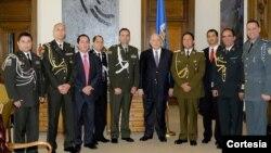 El Secretario General de la Organización de los Estados Americanos (OEA), José Miguel Insulza, recibió hoy a la Agrupación de Agregados de Policía de América Latina en Estados Unidos (APALA) en la sede del organismo en Washington, DC. [Foto: OEA]