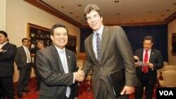 El secretario Fernández, tiene previsto sostener varias reuniones con el secretario técnico de la Presidencia, Alex Segovia, para tratar los temas de economía y seguridad.