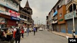 بھارت کے زیر انتظام کشمیر میں لاک ڈاون کے دنوں کا ایک منظر