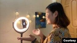 Burmese Vlogger Naw Thazin