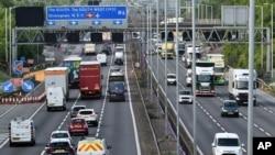 Saobraćaj na autoputu M6 blizu Birmingema, 18. maja 2020.
