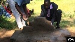 Kungcwatshwa amathambo omuntu okucatshangelwa ukuthi wabulawa libutho leGukurahundi.