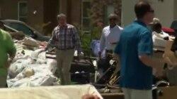 Обама во посета на поплавените области во Луизијана