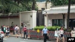 တ႐ုတ္ႏိုင္ငံ Chengdu ၿမိဳ႕က ကန္ ေကာင္စစ္ဝန္ခ်ဳပ္႐ံုးေရွ႕ ျမင္ကြင္း။ (ဇူလိုင္ ၂၃၊ ၂၀၂၀)