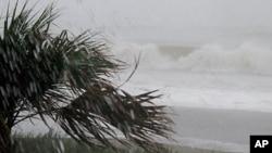 飓风艾琳26日登陆南卡罗来纳州