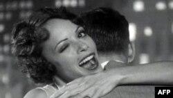 Bộ phim câm đen trắng, The Artist, đoạt Giải Phim Hay Nhất tại Lễ Trao Giải Oscar lần thứ 84