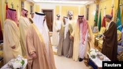 امیر قطر به رغم دعوت پادشاه عربستان در ریاض حاضر نشد.