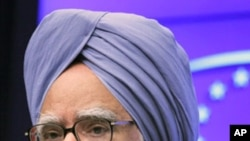 Indian Prime Minister Manmohan Singh (File)